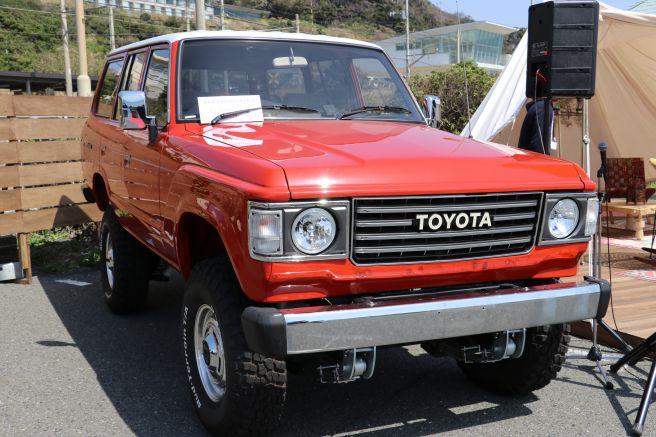 ネオ・ヤングタイマーズ キャラバン トヨタ ランドクルーザー60系