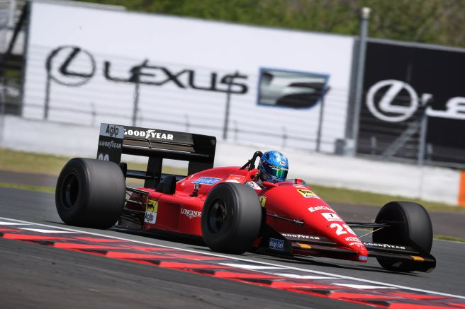 フェラーリ F187走行風景