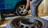 自動車のタイヤの交換時期と寿命|溝のスリップサインや走行距離に注意!