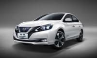 日産新型シルフィ EV ゼロ・エミッションを初公開!新型電気自動車の航続距離は338kmに