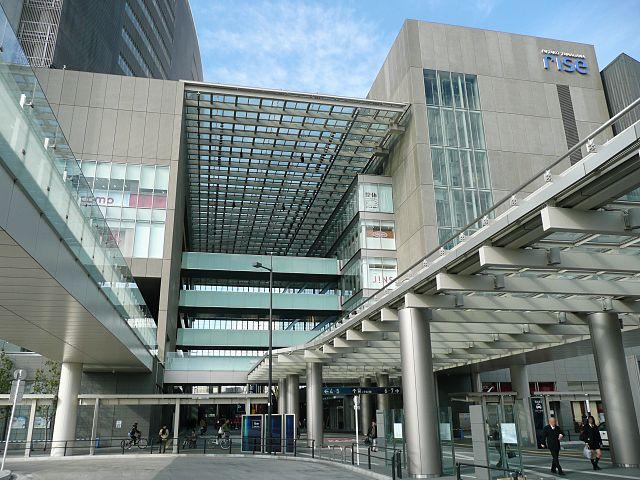 二子玉川ライズ・ショッピングセンター中央吹抜通路