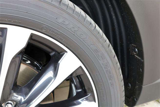 新型CX-3専用設計のタイヤ