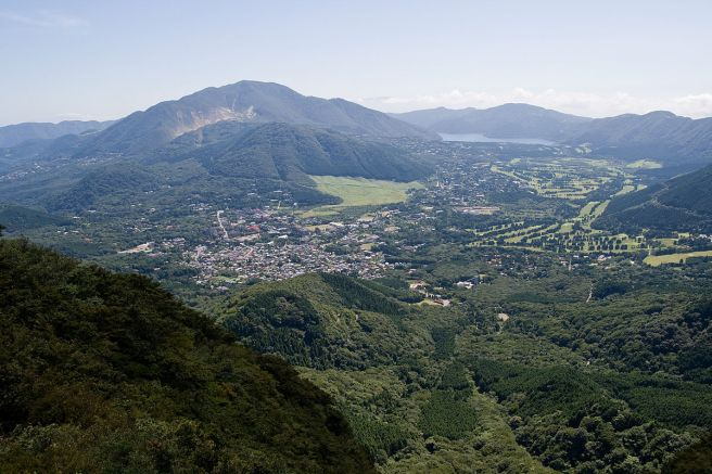 箱根 金時山より望む神山