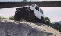 新型ジムニーのオフロード走行映像!?動画をよく見ると衝撃の事実が明らかに……