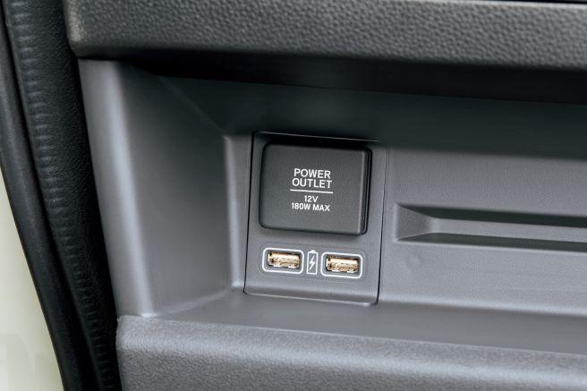 ホンダ N-VAN USBチャージャー