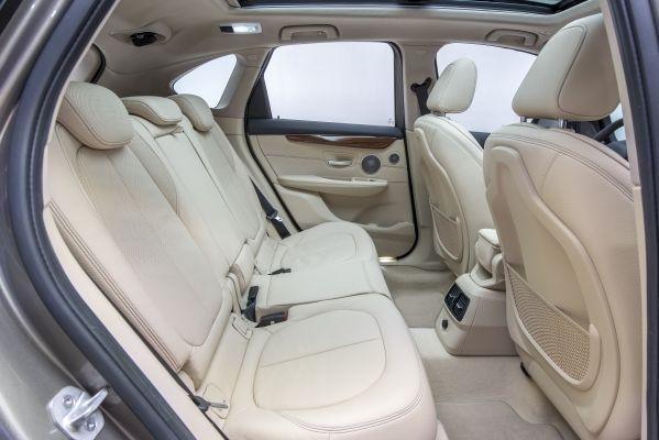 BMW 2シリーズ アクティブツアラー 内装 2014