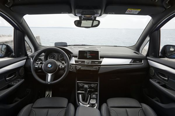 BMW 2シリーズ グランツアラー 内装 2015