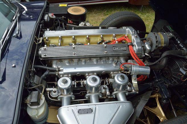ジャガー Eタイプ シリーズ1 4.2L エンジン