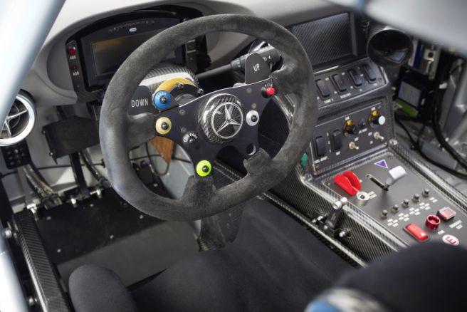 メルセデス・ベンツ SLS AMG GT3 コクピット