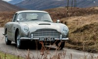ジェームズ・ボンドの愛車「アストンマーチン DB5」が復活!回転式ナンバープレートなど特殊機能を搭載