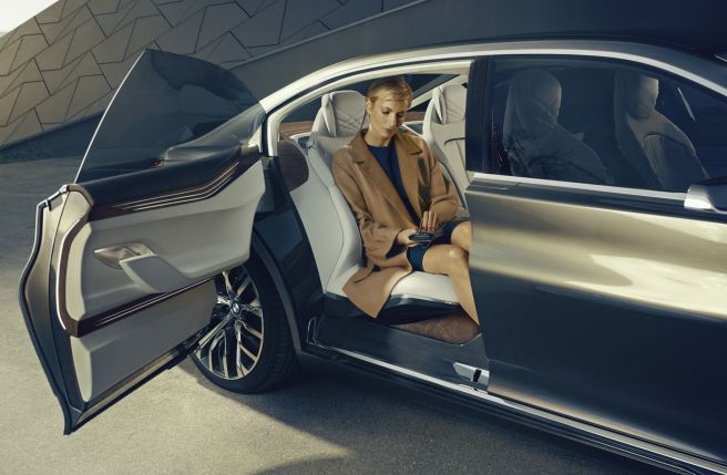 BMW VISION FUTURE LUXURT CONCEPT-2_2014