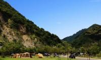 【青川峡キャンピングパーク 総合情報】充実設備で快適&バーベキューや川遊びも!利用料金や口コミなど