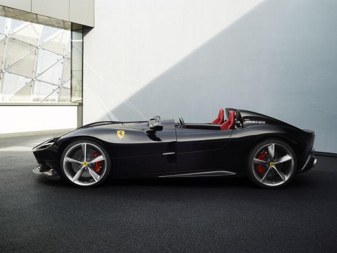 フェラーリ モンツァ SP2