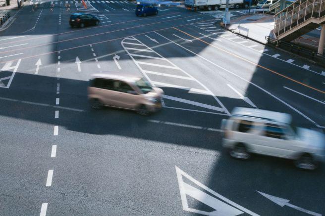 車 道路 交差点