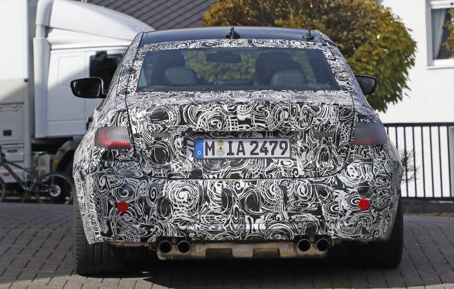 BMW 新型 M3 スパイショット