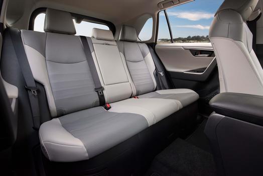 トヨタ RAV4 北米仕様 リミテッド ハイブリッド 2019年 リアシート