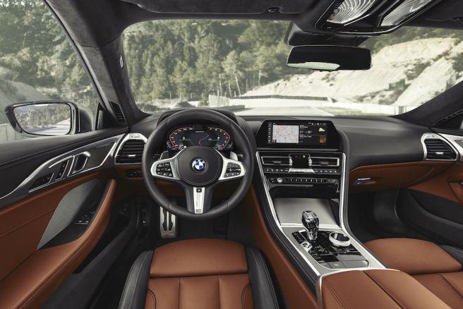 BMW 8シリーズ クーペ 運転席_2018