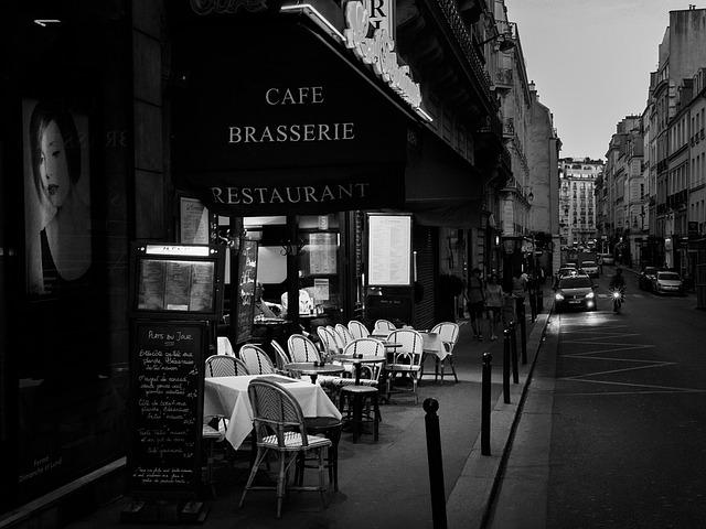 フランスの街並み カフェ