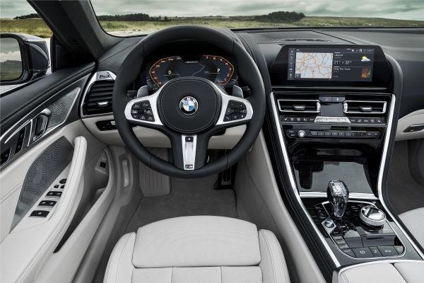 BMW 8シリーズ コンバーチブル