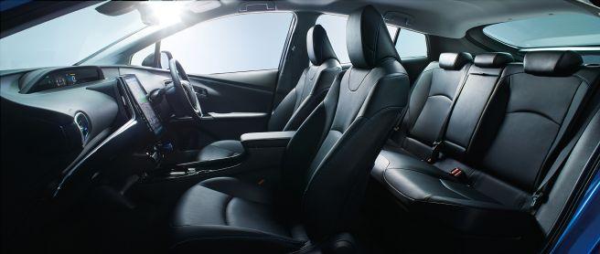 トヨタ プリウス 2018年モデル Aツーリングセレクション 内装