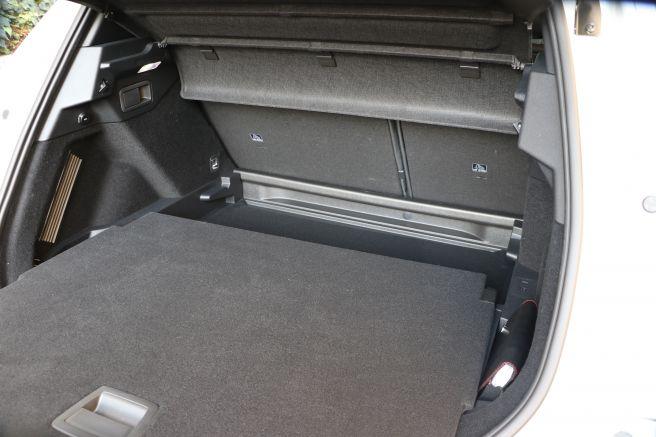 DS7 クロスバック トランク