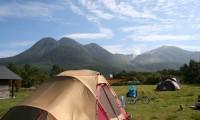 【くじゅうやまなみキャンプ村 総合情報】ミニキッチンや電源を利用できる便利なキャンプ場!気になる口コミは