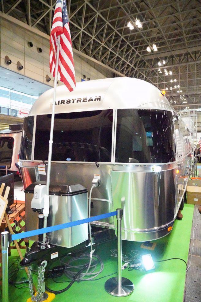 ジャパンキャンピングカーショー2019 エアストリーム フライングクラウド