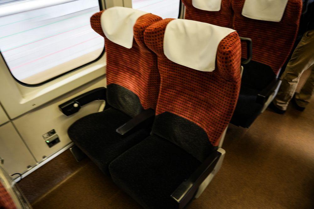 山形新幹線 E3系2000番台 シート