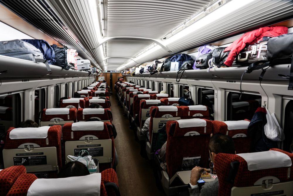 山形新幹線 E3系2000番台 車内