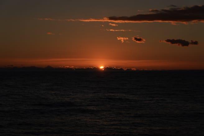 海に沈む夕日。西伊豆で撮影