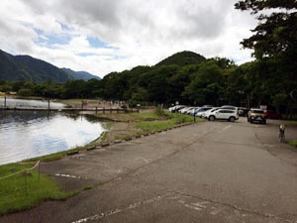 菖蒲ヶ浜キャンプ場 駐車場