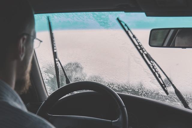 雨の日ドライブイメージ