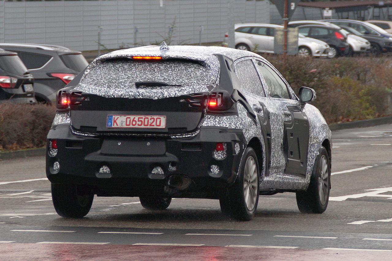 フォード 新型フィエスタ SUV_2019/01