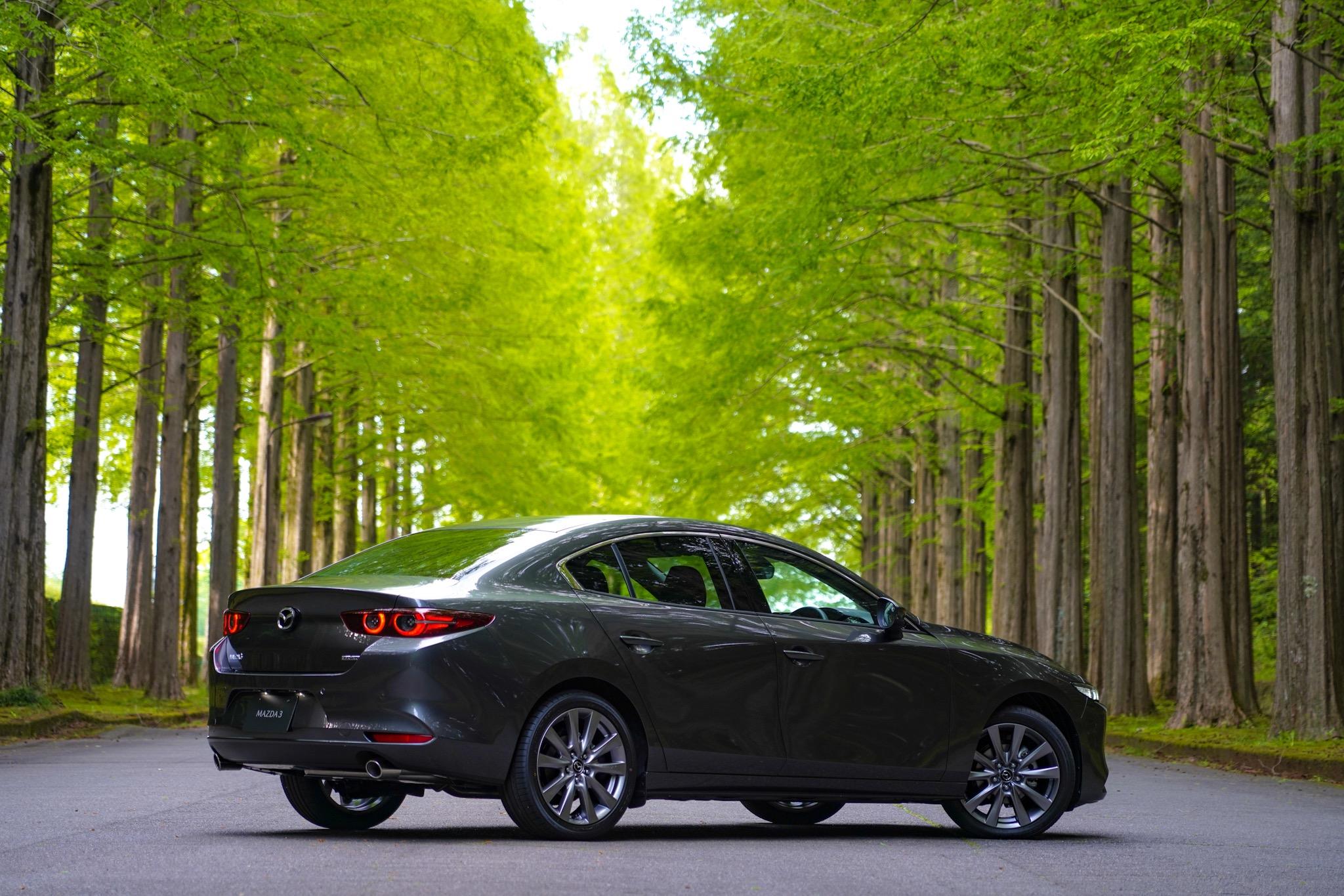 新型Mazda3 セダン