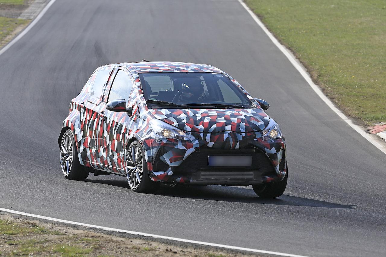 トヨタ 新型GRヤリス 開発車両をスクープ