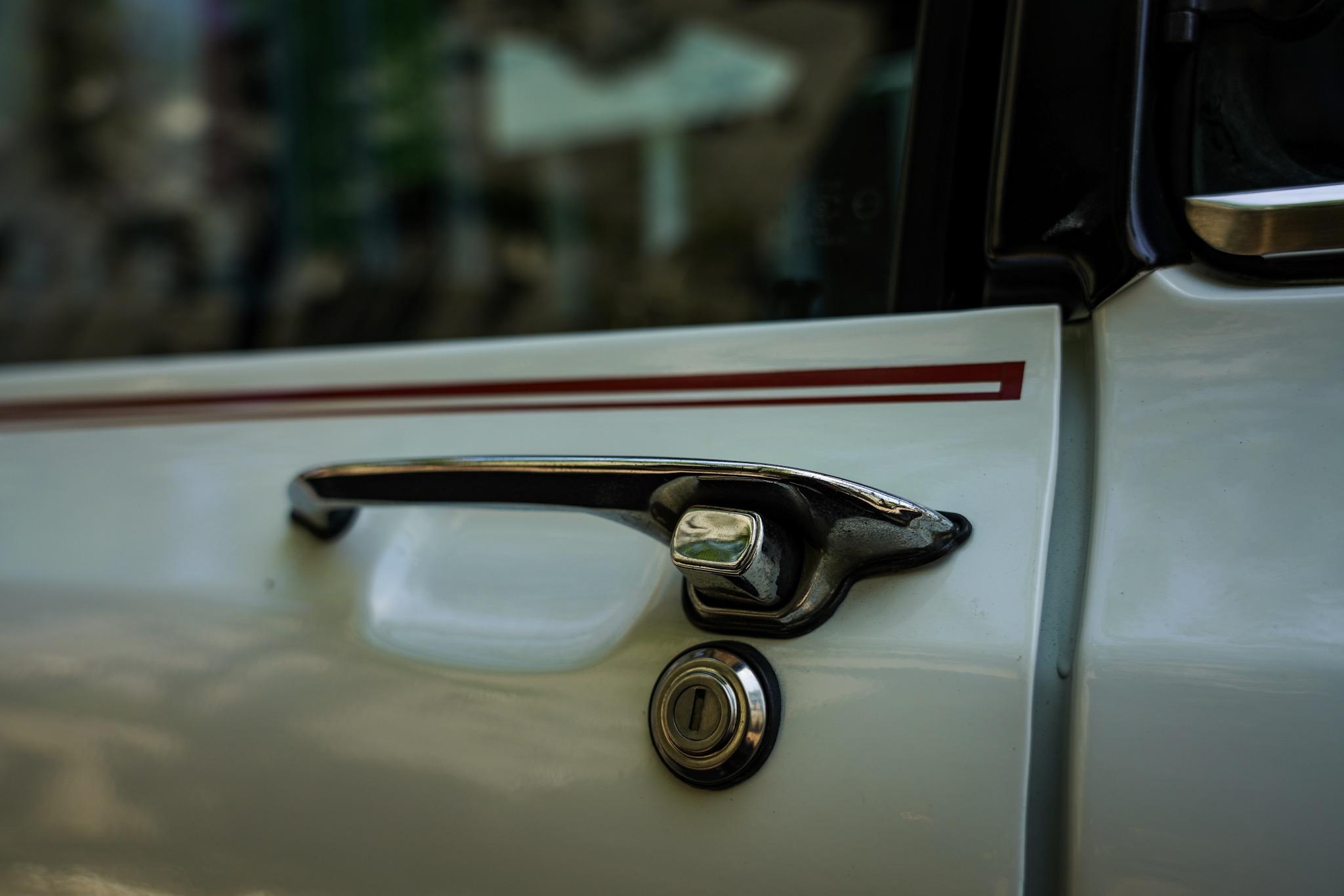 マツダ2代目ファミリア・プレスト・ロータリー・クーペ 新型Mazda3発表会