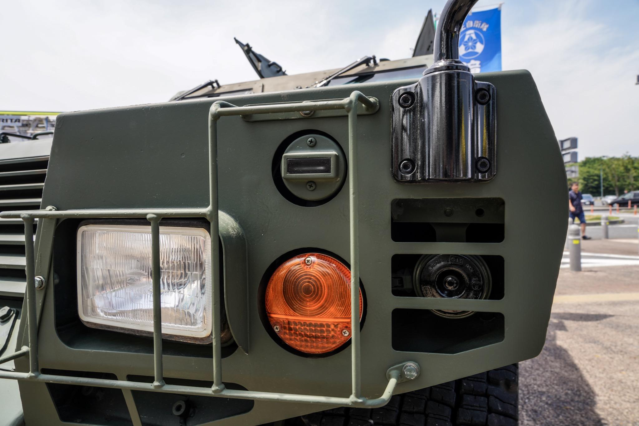 自衛隊の車 軽装甲機動車