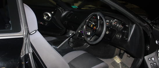 トヨタスープラ2代目運転席