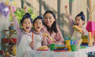 杏さんと三つ子ちゃんがガレージの多彩な使い道を提案するヨドガレージの新CM放映開始!