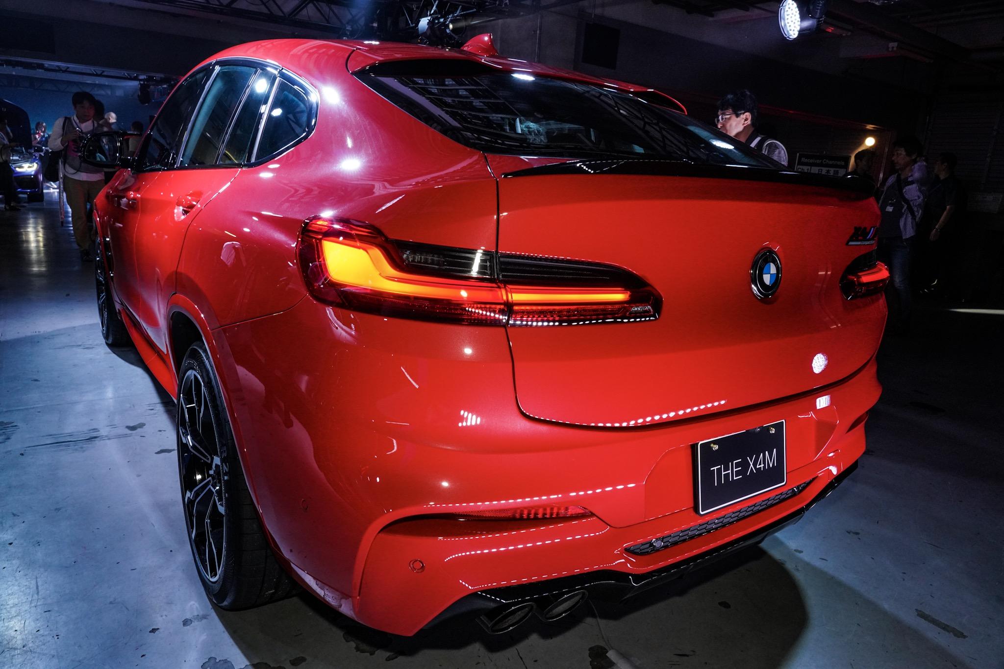 BMW X4 M リア