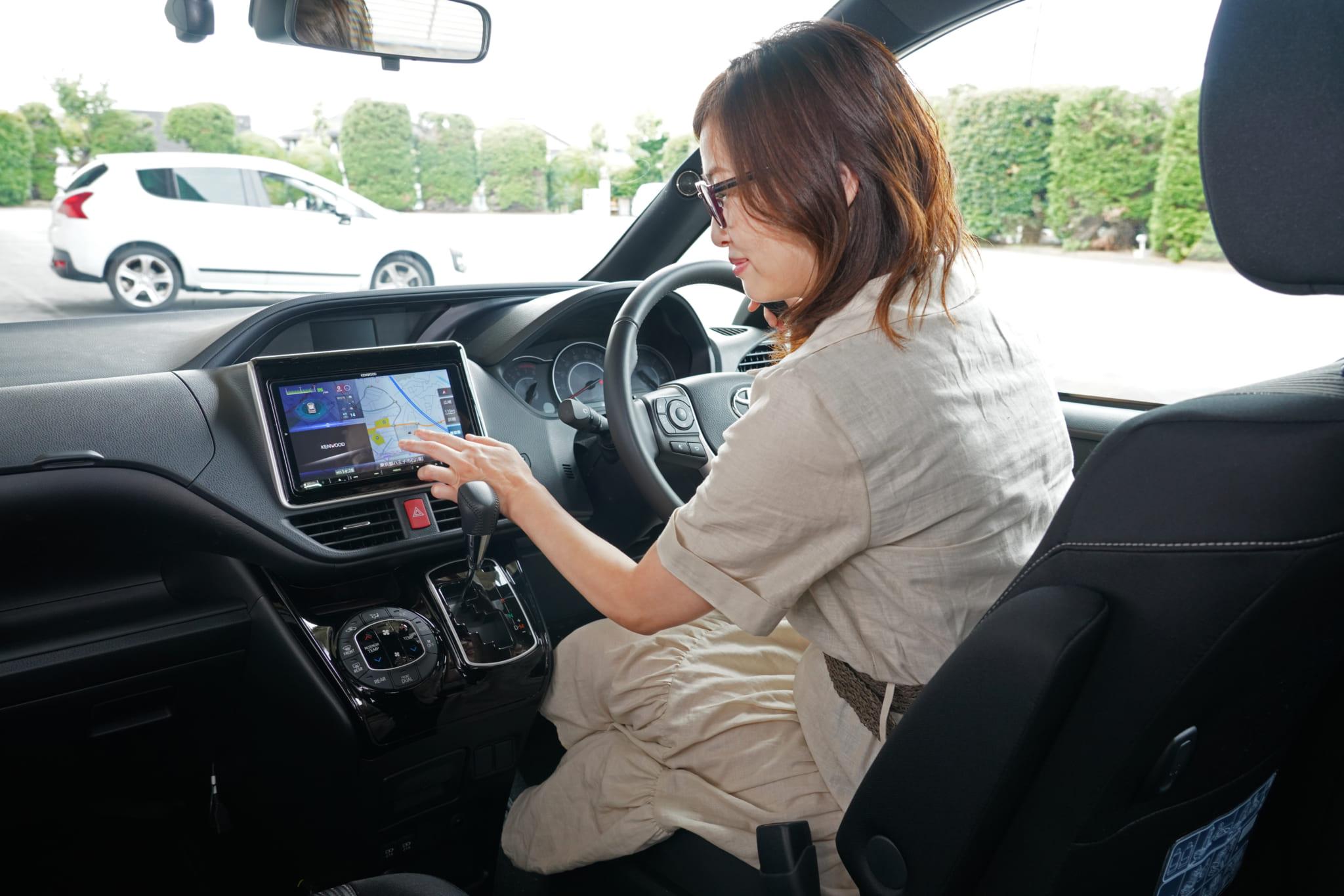 吉田由美がレクチャー!カーナビ&ドライブレコーダーの賢い選び方は?(KENWOOD)