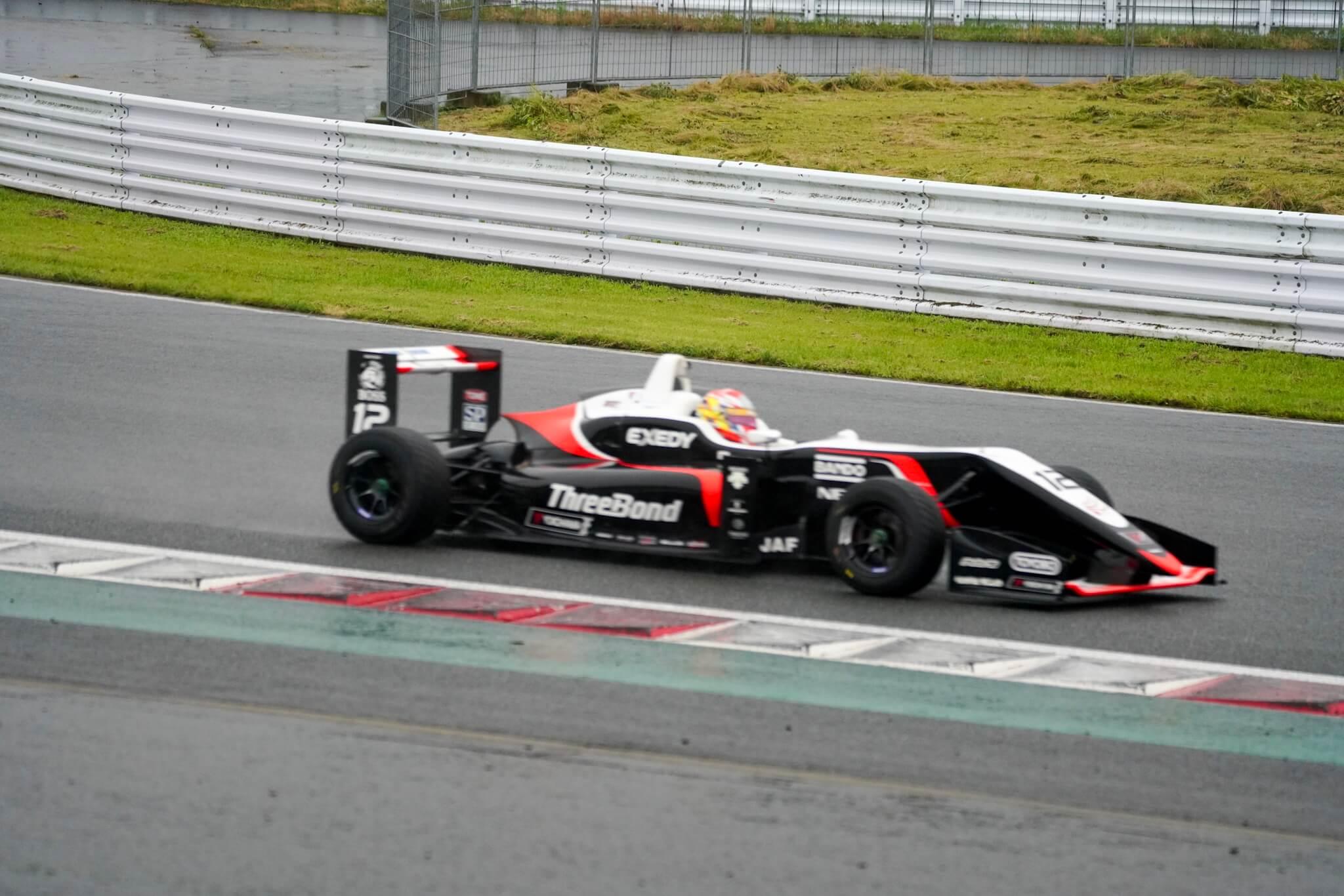 F3 スリーボンドレーシング 12号車 大津弘樹