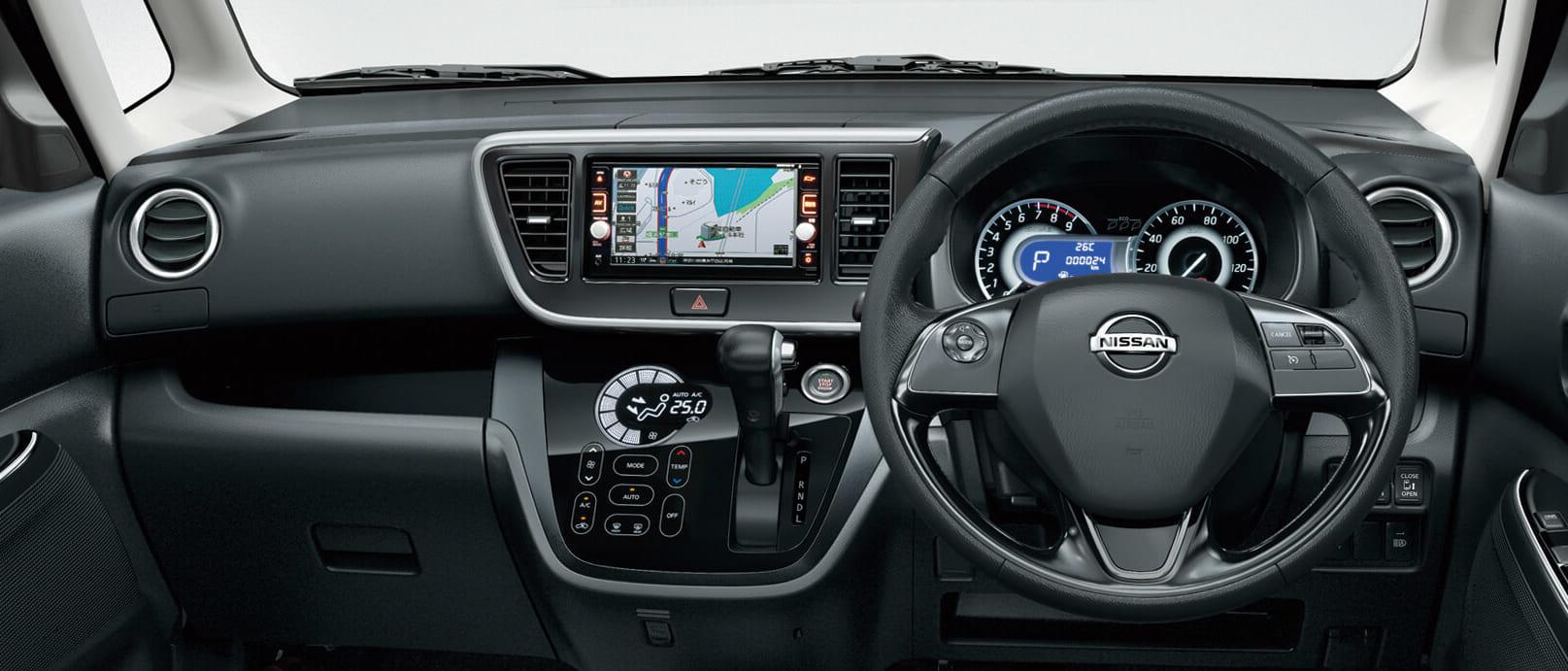 Nissan_DAYZ-ROOX_DBA-B21A_instrument_panel