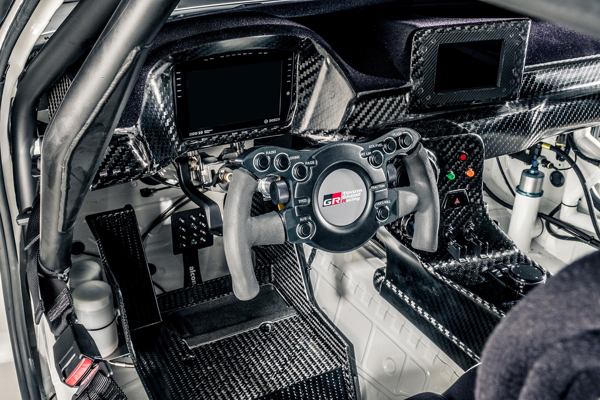 トヨタ GRスープラ GT4