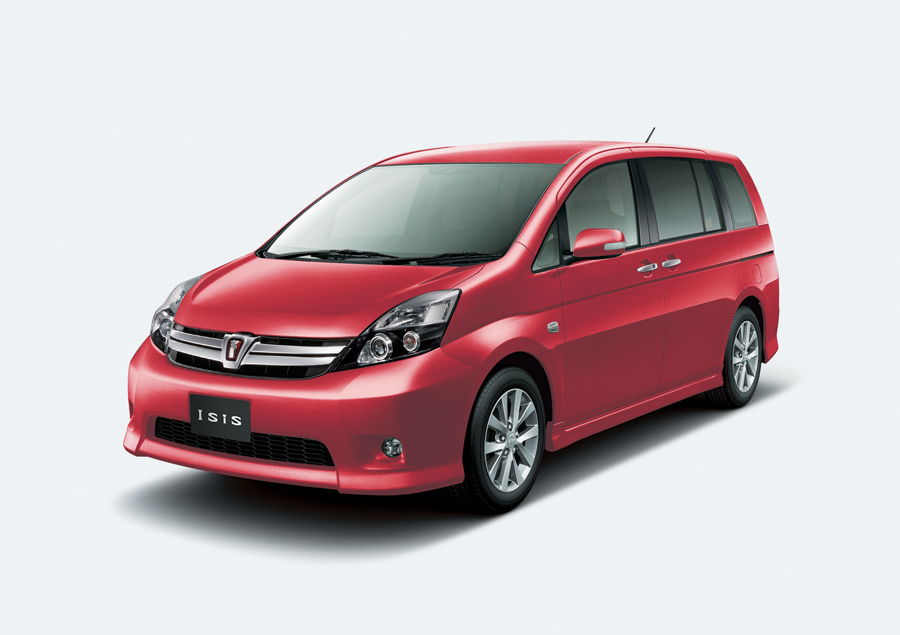 Toyota_Isis_DBA-ZGM11W_front_side