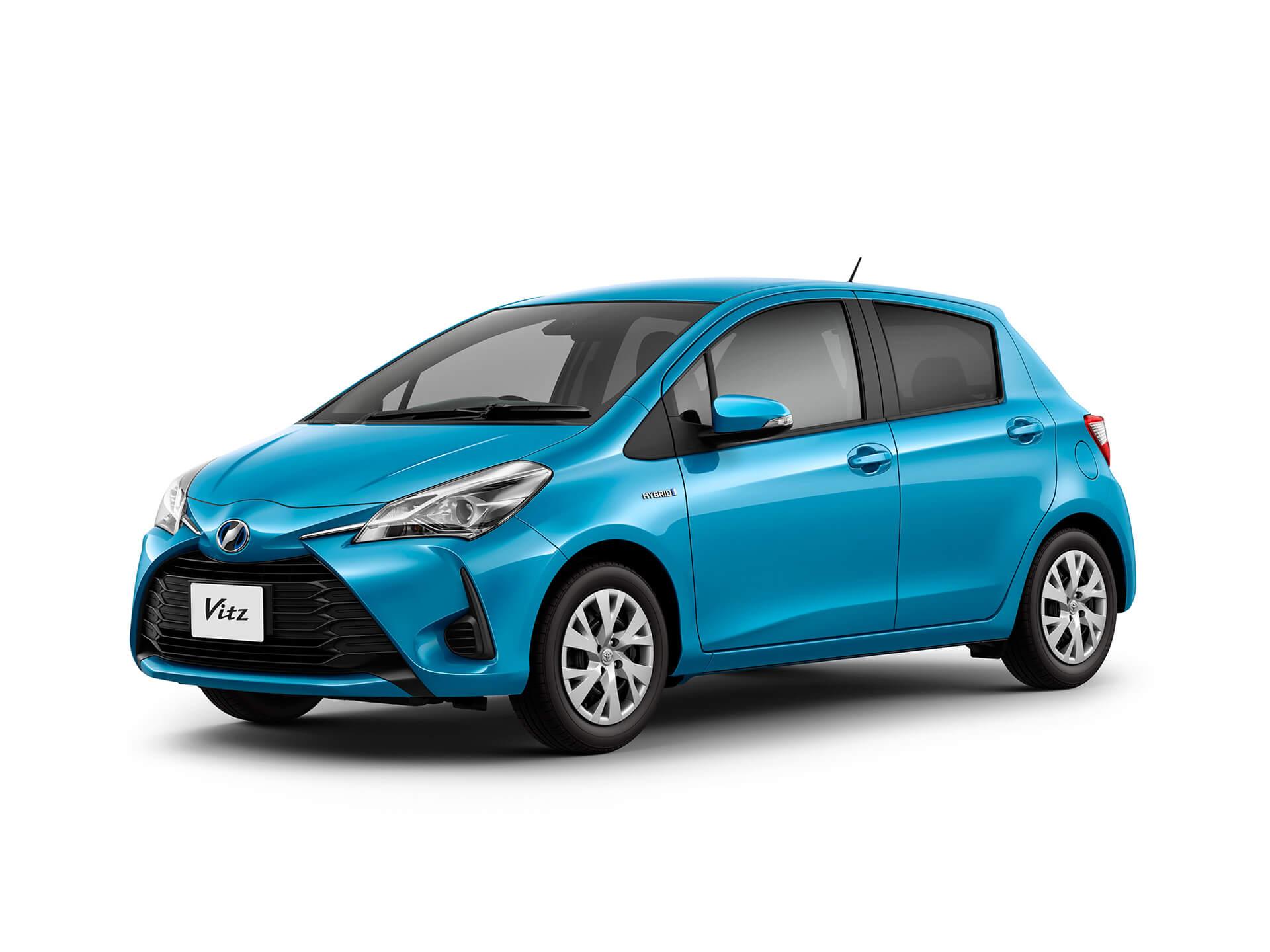 Toyota_Vitz_DAA-NHP130_front_side