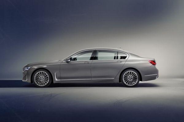 BMW_7series_DBA-7A30_left_side