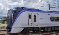 「富士回遊」E353系はヤバい電車だった。フェラーリと兄弟だった。