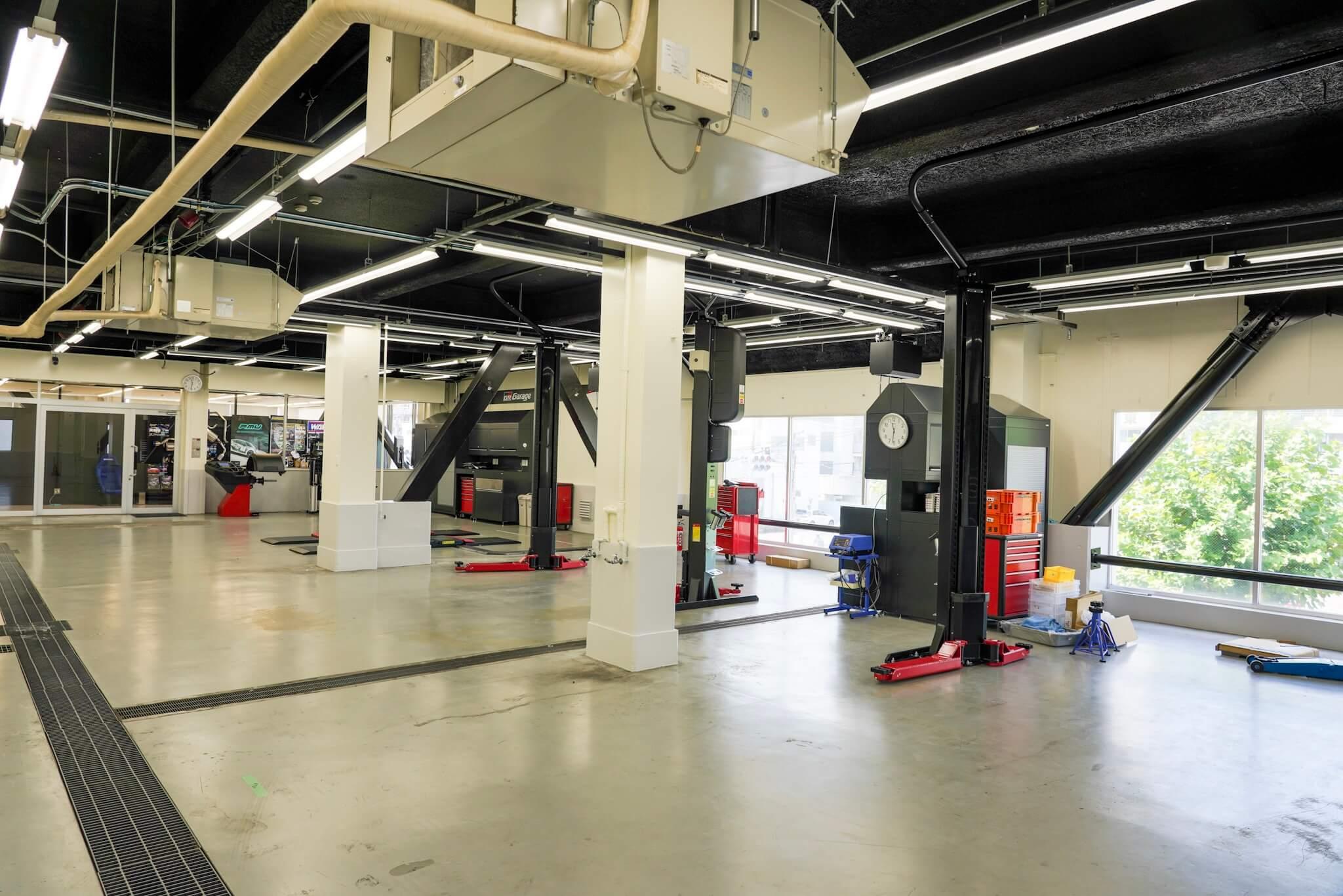 GR Garage東京蒲田 整備工場