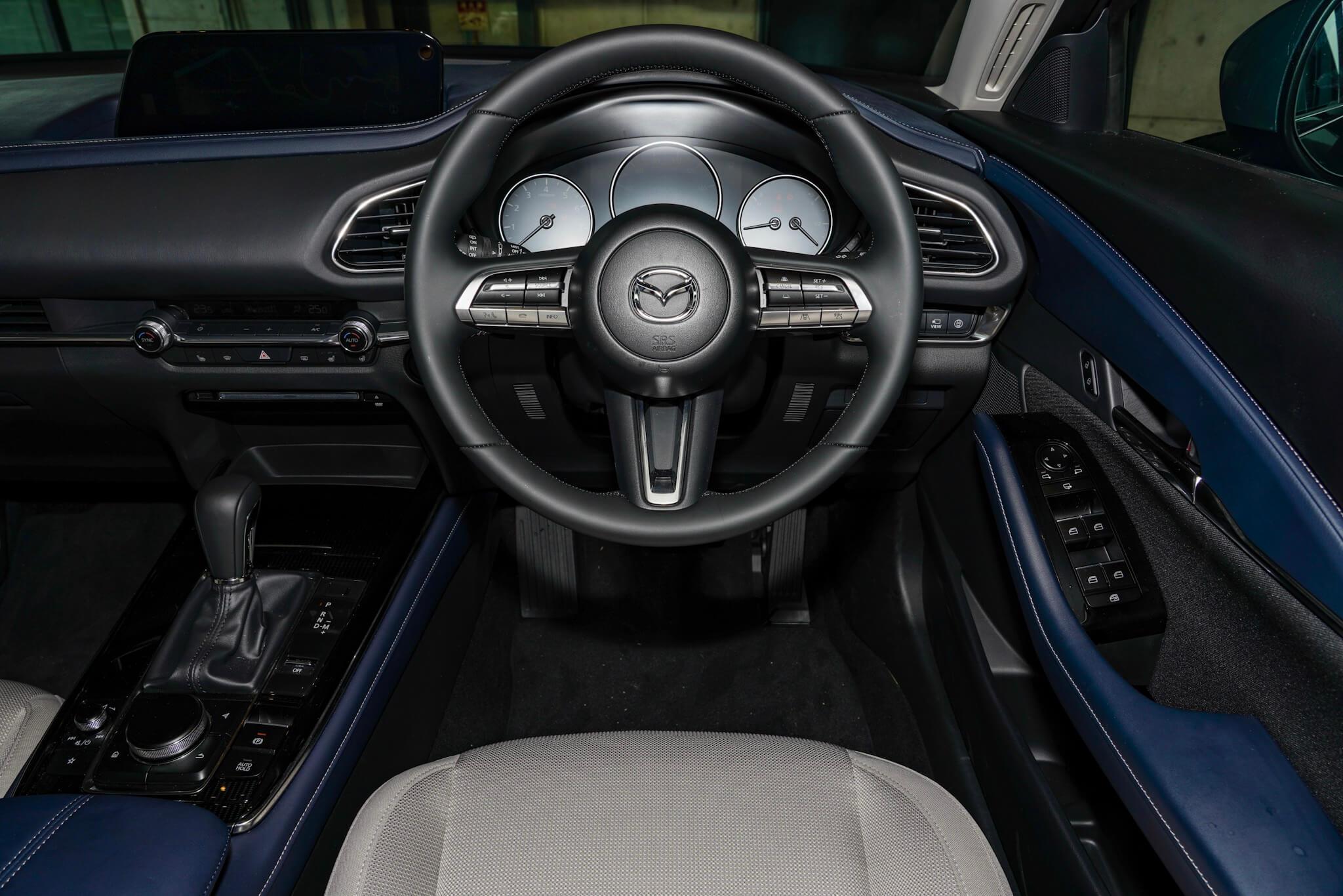 マツダ CX-30 20S プロアクティブツーリングパッケージ 運転席
